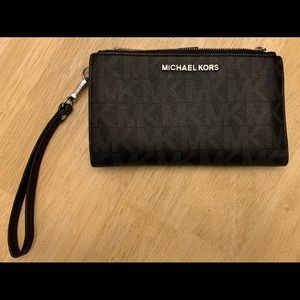 Michael Kors Wristlet Wallet and Cell Phone Holder